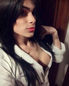 Sexy Brunette Trap Selfie
