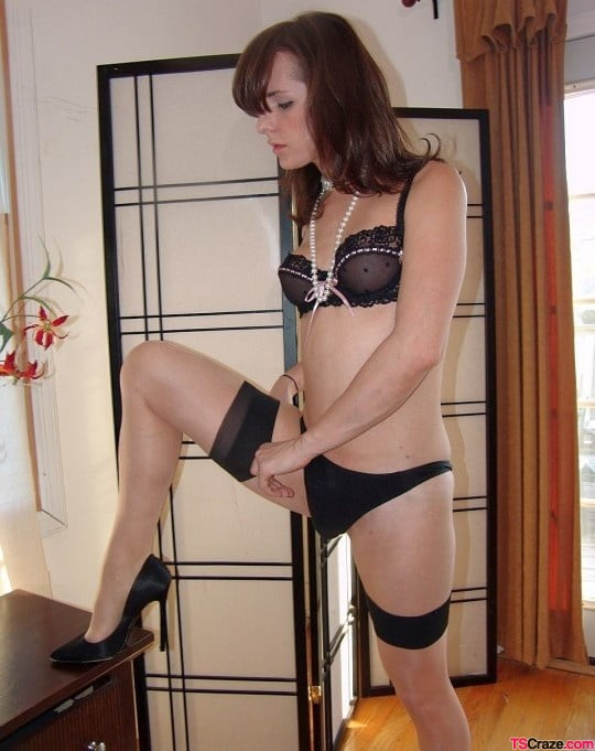 sexy-trap-in-nylons